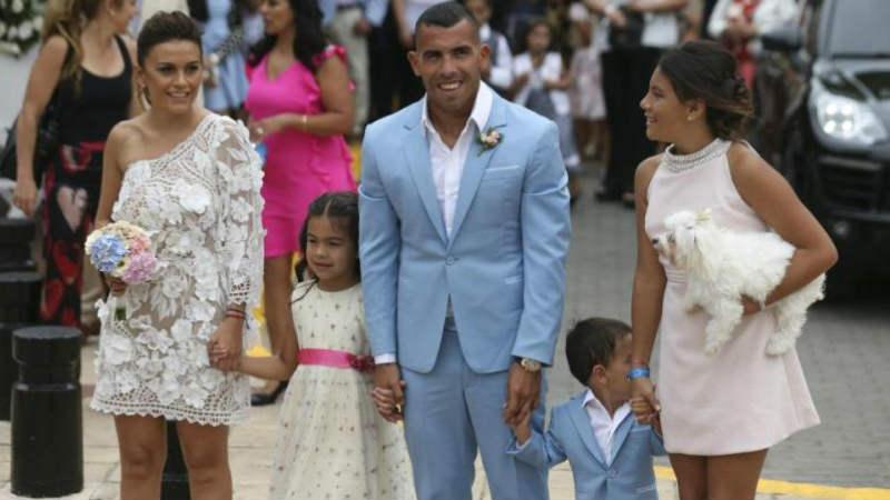 Carlos Tevez dan keluarga